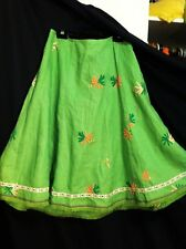 'BASQUE' 100% LINEN APPLE GREEN EMBROIDERED GORED SKIRT. SZ 12-14.