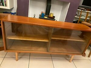 Bookcase By Robin Day for Hille in Very Good Condition