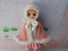 Hooded poncho available for pure neemo, Kikipop, Momoko, Licca, mui chan