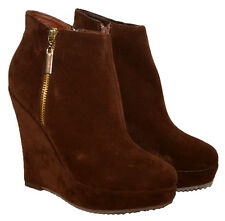 LADIES BROWN FAUX SUEDE ANKLE BOOT WITH PLATFORM AND SIDE ZIP IN SIZES 3-8