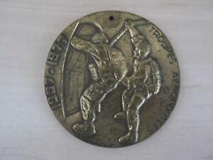 Armée : Médaille Troupes Aéroportées : Parachutiste 1937-1977 . Militaire .
