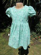 Neues AngebotMädchen Kurzarm-Kleid, grün, Blumenmuster, 2-3 Jahre, NEU, Handarbeit