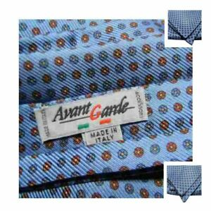Ascot seta uomo azzurro con microdisegni vari cashecol azzurri Foulard mad italy