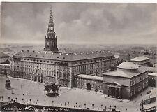 Frankierte Normalformat Ansichtskarten aus Europa mit dem Thema Burg & Schloss