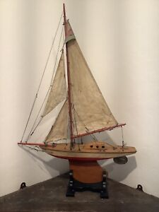 Vintage Wood Pond Yacht Made By Bowman Racing