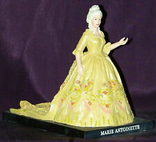 Statuette Marie Antoinette en robe de mariée- Statuette Reine de France