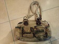 Praktische Handtasche Schultertasche mit vielen kleinen Zusatztaschen