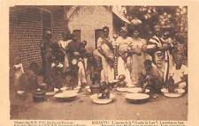 KISANTU, DEM. REP. OF CONGO, AFRICA, WOMEN WASHING BABIES AT MISSION c 1904-14