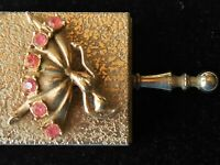 VINTAGE ORNATE HINGED SNUFF OR PILL BOX WITH HANDLE