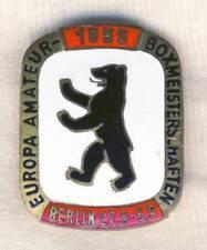 1955 EUROPEAN BOXING Championships PIN Badge BERLIN Box Europa Meisterschaften