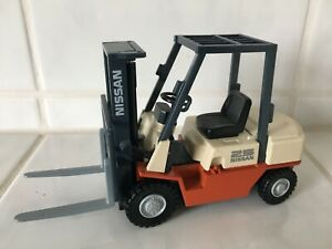 Nissan 25 ( = Unicarriers)  forklift fork lift truck VERY RARE