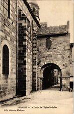 CPA  Brioude - Le Porche de l'Eglise St-Julien  (586058)
