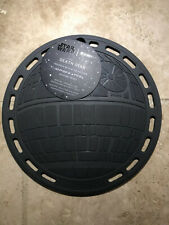 """""""Star Wars"""" LE CREUSET Death Star Gray Silicone Trivet NWT Hot Pad"""