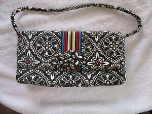 VERA BRADLEY Barcelona July 2010 - Sept. 2011 Knot Just A Clutch handbag purse