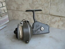 A Nice Vintage Ted Williams 501 LEFT HAND Spinning Reel. . Made in ITALY.
