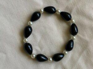 Handmade black bead and pearl bracelet