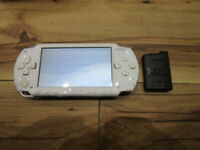 Sony PSP 1000 Console Ceramic White w/battery Pack Japan o883