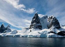 Encadrée Imprimer-couvertes de neige l'Alaska ile rocheuse (Photo Poster Ocean art)