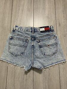 TOMMY JEANS Women's High Rise Frayed Hem Denim Hot Pants Shorts   Waist 25 in.