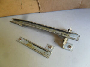 82-92 CAMARO FIREBIRD TA LH L DRIVER SIDE DOOR WINDOW ROLLER SLIDE TRACKS PAIR