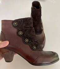 L'ARTISTE SPRING STEP Leather Ankle Boot w Flower Rivets 38 US- 7.5/8 NWOB NEW