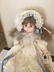 Vintage 1980's rare early Robin Woods Original Cloth Fabric Doll