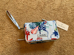 NWT Vera Bradley Anchors Aweigh Blue Lighten Up RFID 3-in-1 Crossbody