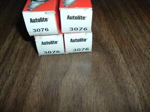 antique autolite spark plugs part # 3076 x4