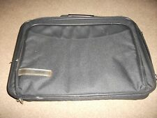 "LOVELY ""TECH AIR""  LAP TOP  CARRY BRIEFCASE  FABRIC AND FAUX LEATHER USED ONCE"