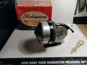 Vintage Shakespeare Fishing Reel No.1797 with original box