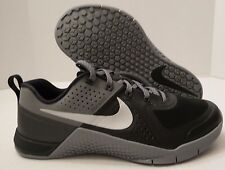 b1257abb064 NIKE METCON 1 CROSSFIT TRAINING SHOES 704688 002 BLACK-SILVER-GREY (MEN S  7.5