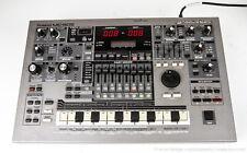 Roland MC-505 Synthesizer Groovebox Drum Machine Sequencer - Working!