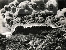 GRANDE PHOTO ORIGINALE : FEU DE PNEUMATIQUES - GENNEVILLIERS 1953 - POMPIERS