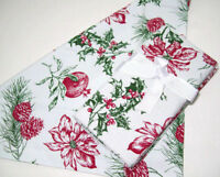 Williams Sonoma Botanical Holly Berry Floral Pine Cone Dinner Napkins Set of 4