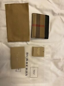 Used Authentic Burberry Leather Unisex Wallet Card Holder Black.