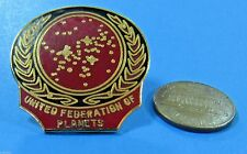 PIN enamel vtg '90 Star Trek - UNITED FEDERATION OF PLANETS - Red and Gold-Look