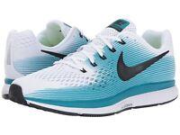 New Nike Men's Air Zoom Pegasus 34 Size 7 - white black blue running 880555-101