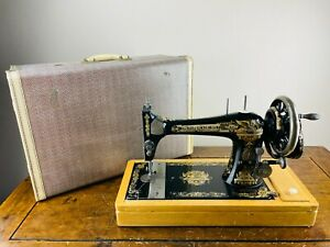 Antique Singer 27K Sewing Machine Hand Crank with Vibrating Shuttle Sphinx Case