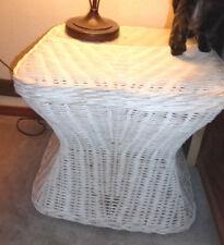 VINTAGE White WICKER TABLE Endtable NIGHTSTAND