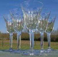 Val Saint Lambert? Service de 6 verres à vin blanc en cristal taillé. Début Xxe