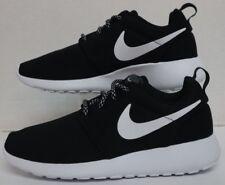 01bb101880b44 WMNS Nike Roshe ONE Black White-Dark Grey 844994-002
