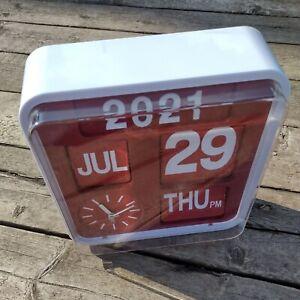HABITAT Flap Auto Flip Calendar Clock White Retro Design Analogue Quartz Battery