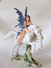 fee,elfe,26x20cm,figur,skulptur,einhorn,unicornia,pferd,weiß
