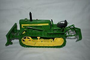 Ertl 1:16 John Deer 420 Crawler Bulldozer with 62 Blade & Ripper Plow