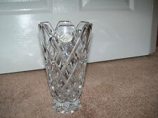 VINTAGE EUROPEAN COLLECTION 24% LEAD CRYSTAL FLOWER VASE MADE IN GERMANY