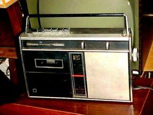 RETRO VINTAGE PANASONIC BOOMBOX RQ-2365 AM-FM-CASSETTE