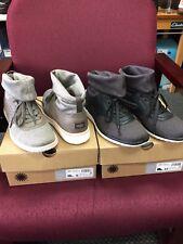 Ugg Women's Islay Sneaker  Grey