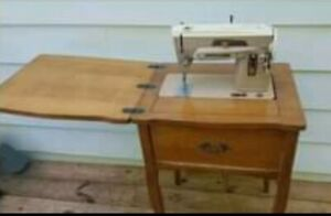 Singer Model 403A Slant-O-Matic Sewing Machine NEW Cords and Pedal*