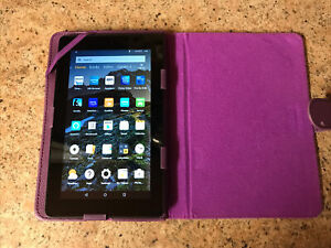 """Amazon Kindle Fire (5th Gen) Tablet - SV98LN - Black 8GB 7"""" WiFi + Case & Cable"""