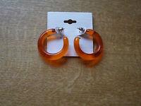 Tolle kleine Minicreolen. In intensivem orange. 3,5 cm Durchmesser. Ohrstecker.